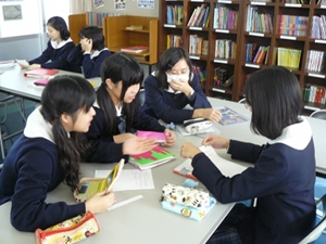 g3 11-22-11 small group 1.JPG