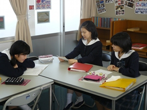 g3 11-22-11 small group 2.JPG