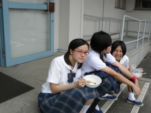 g3 9-12-10 3rd grader enjoying noodles with friends.JPG